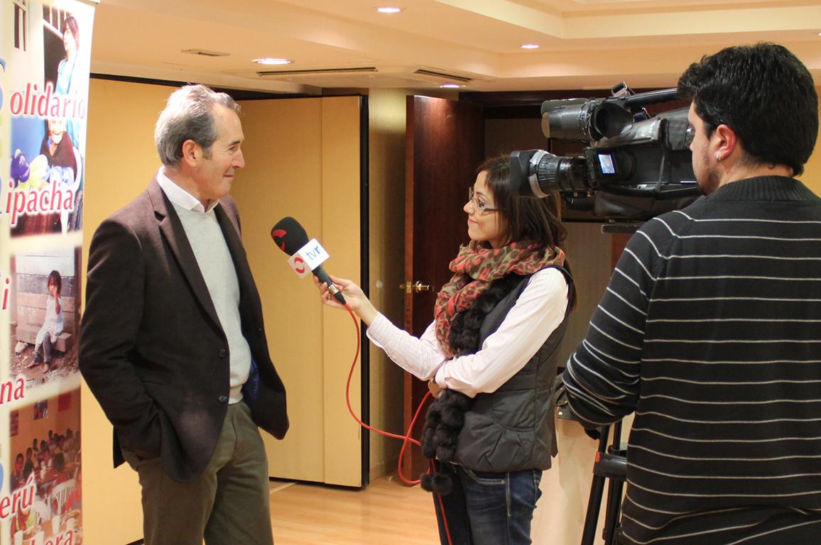 Gabinete de Prensa -Declaraciones a periodistas tras organización de ruedas de prensa - Equiza Comunicación - Logroño - La Rioja