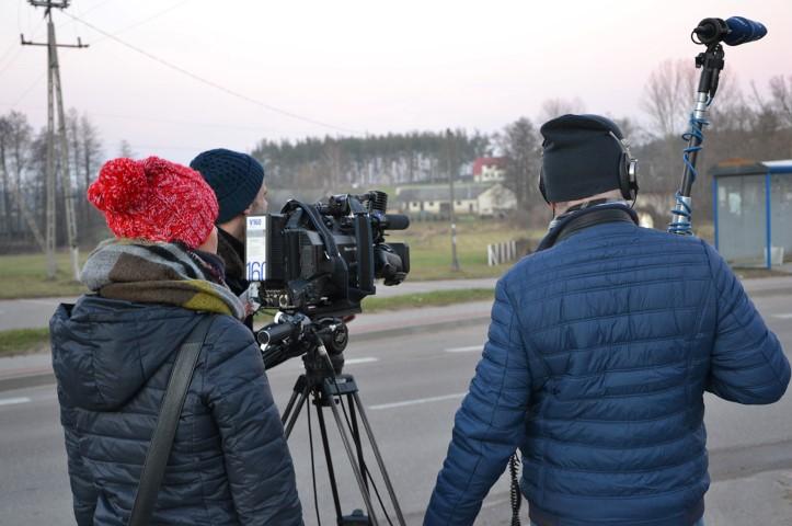 Gabinete de Prensa - Visitas de periodistas grabando imágenes - Equiza Comunicación - Logroño - La Rioja