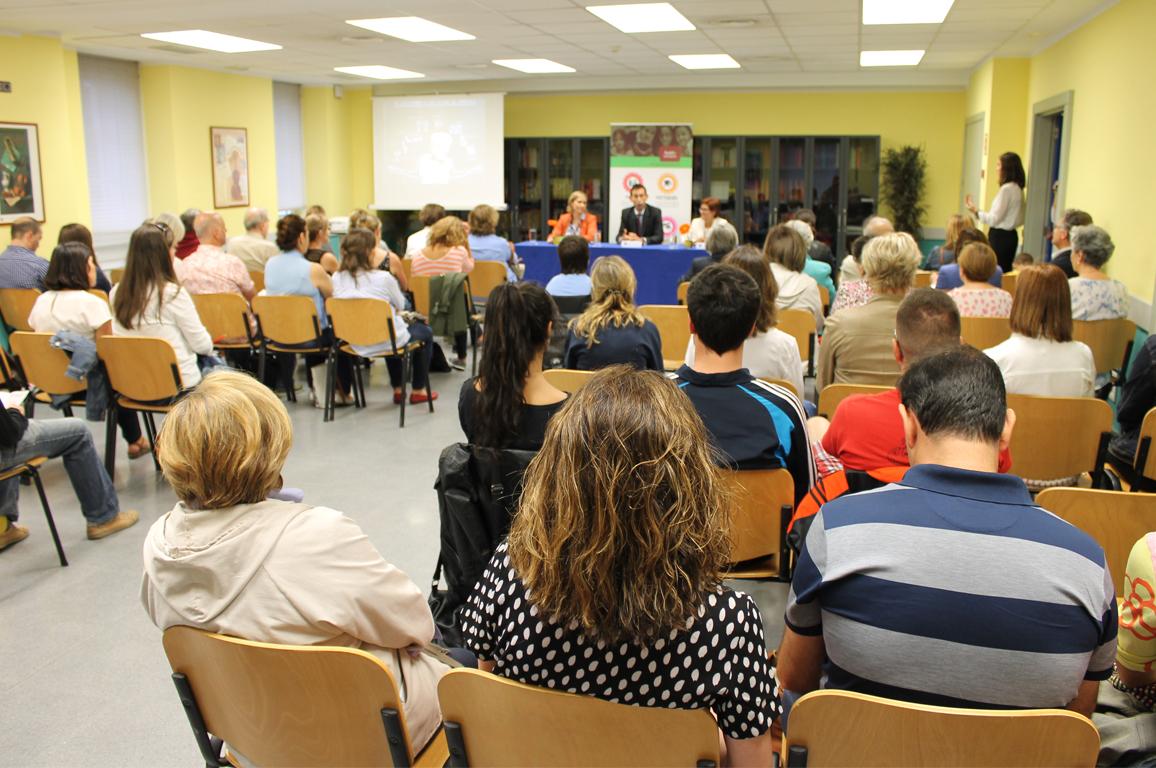 02 Evento acto de presentación de actividades extraescolares de asociacion ayedo de Logroño la rioja